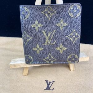 LV621 Monogram Canvas Bifold Wallet